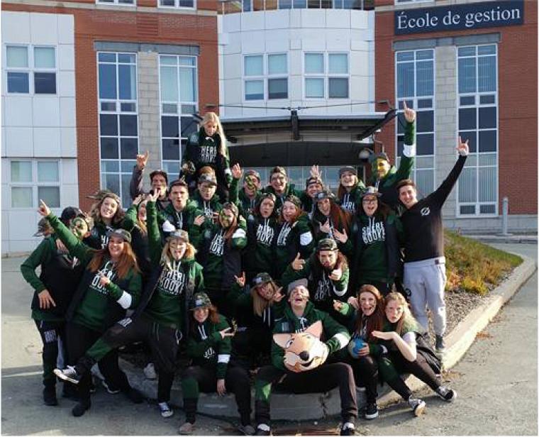 La délégation étudiante du Symposium GRH 2016 de l'École de gestion de l'Université de Sherbrooke.