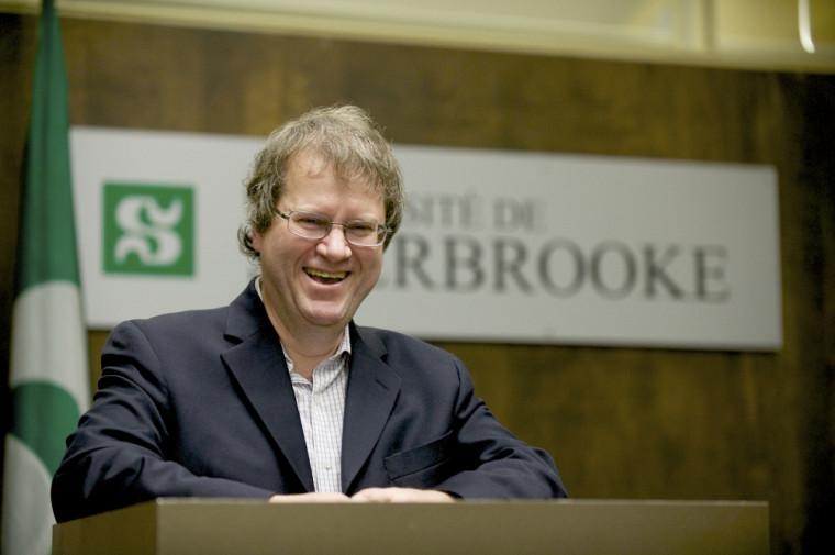 Le professeur Jacques Pépin s'est vu remettre le Prix de la recherche et de la création2012.