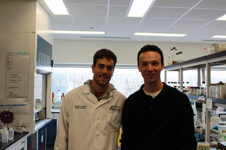 C'est sous la supervision du Dr Martin Bisaillon du Pavillon de recherche appliquée sur le cancer que Laurent Fafard-Couture a réalisé les clonages moléculaires requis pendant son second stage.