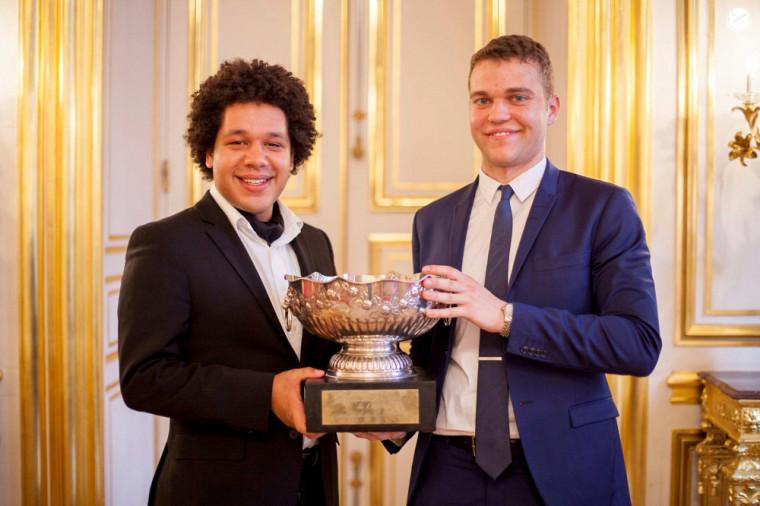 Les champions du monde : Djavan Habel-Thurton et Simon Bouthillier.