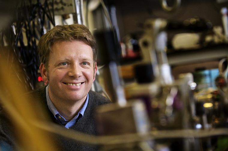 Bertrand Reulet, titulaire de la Chaire d'excellence en recherche du Canada sur le traitement de signaux quantiques