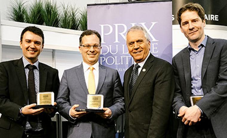 Maurice Demers et Harold Bérubé, finalistes pour le Prix de la Présidence de l'Assemblée nationale, en compagniedu vice-président, François Gendron, et du lauréat 2015, Mathieu Lapointe.