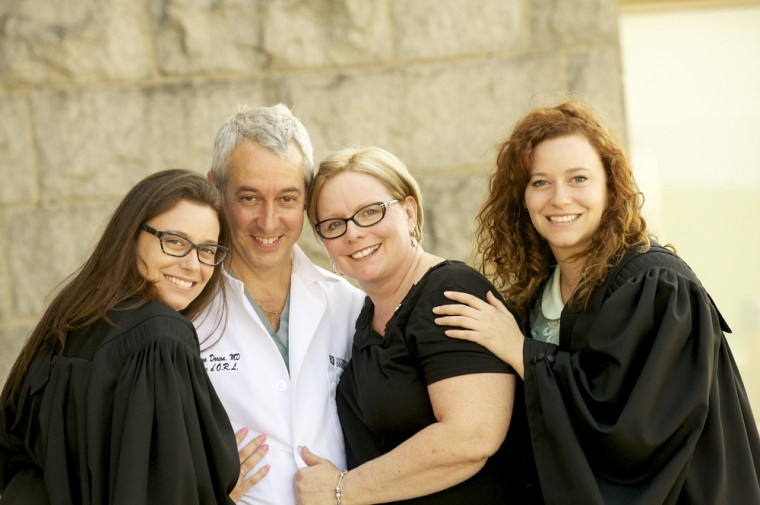 Une partie de la famille Dorion, dont trois filles ont reçu leur diplôme en fin de semaine.