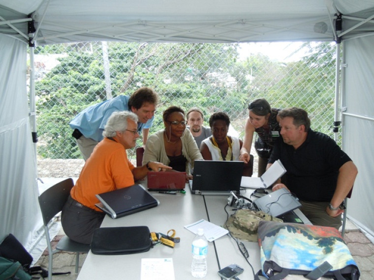 Séance de travail réunissant des intervenants des universités de Sherbrooke et de Quisqueya