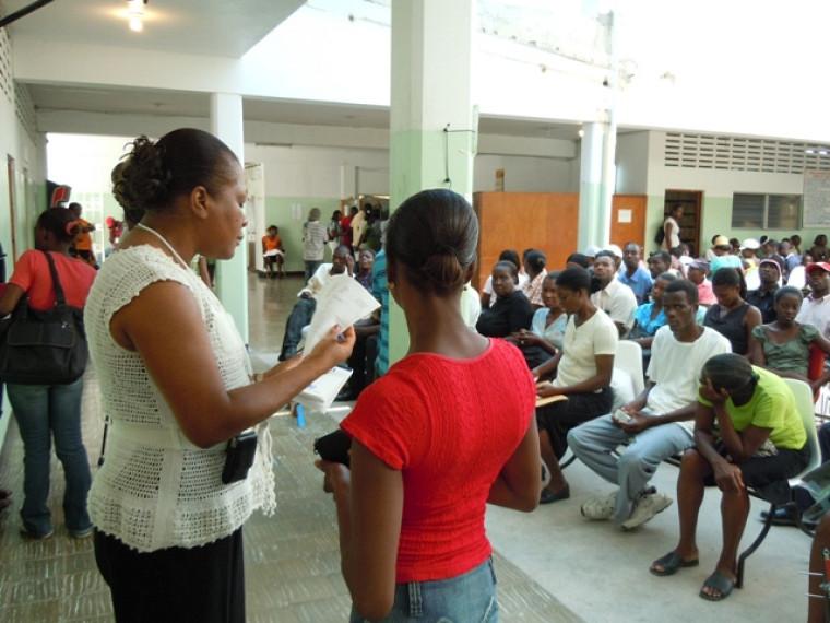 Salle d'attente à l'Hôpital de la communauté haïtienne