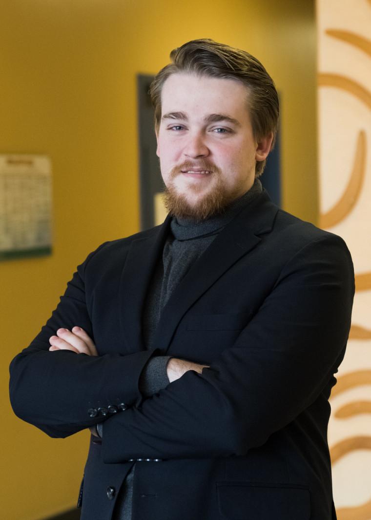 Jérémie Clouâtre, étudiant au baccalauréat en économique et président de la délégation sherbrookoise des Jeux d'Économie du Québec.