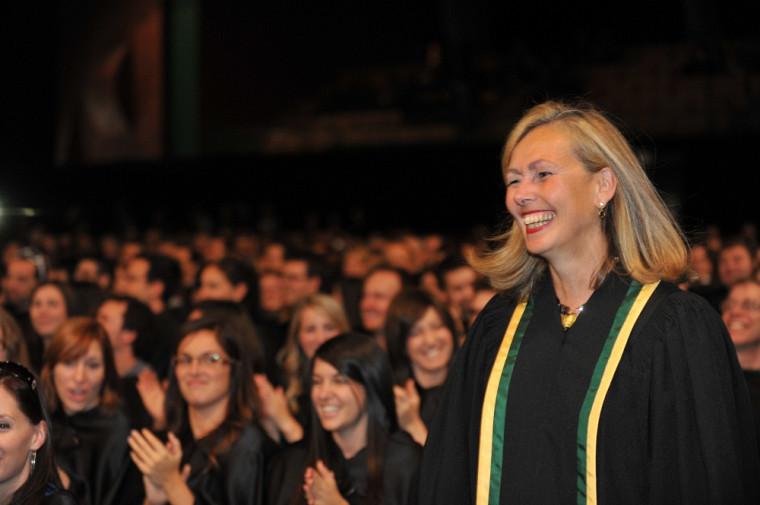Monique Leroux, présidente et chef de la direction du mouvement des Caisses Desjardins, a reçu le titre de docteur d'honneur.