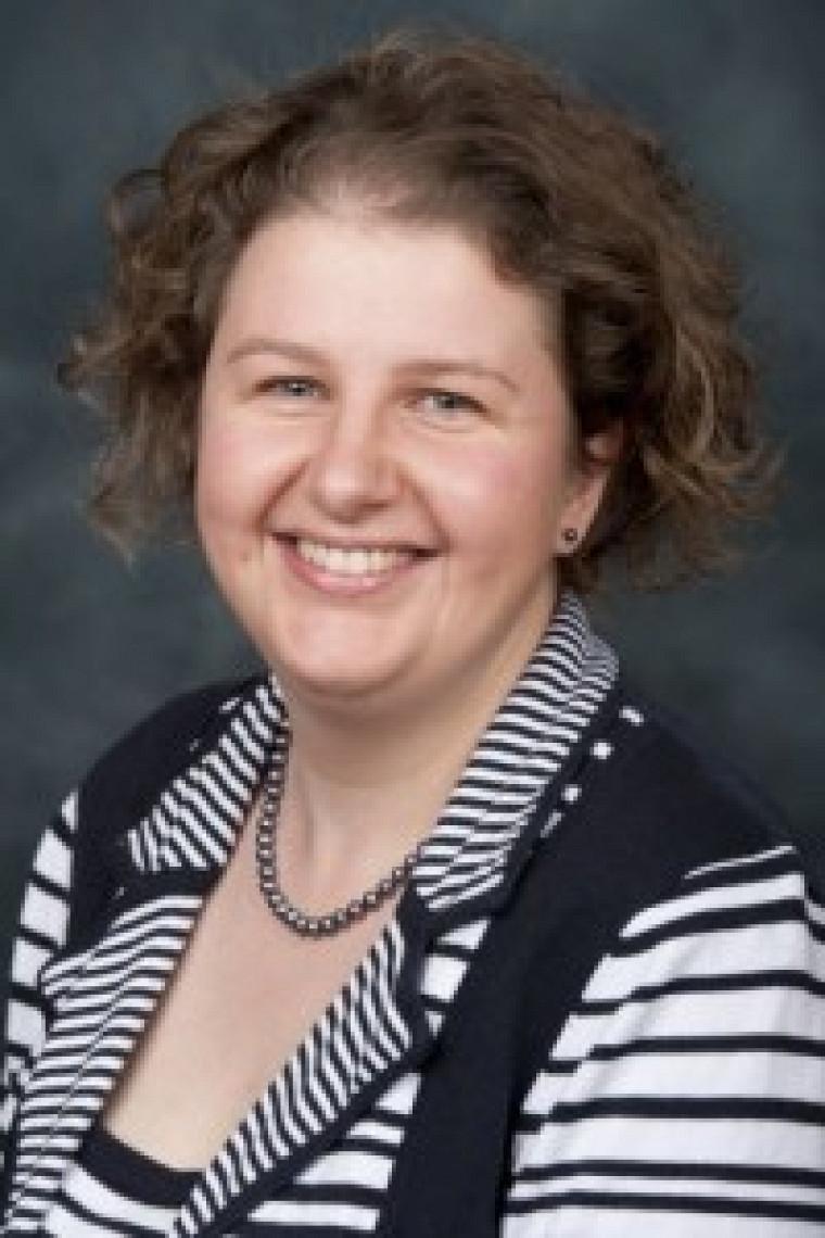 Shirley Fortier, chargée de cours à forfait au Département des lettres et communications et responsable du baccalauréat en traduction professionnelle.