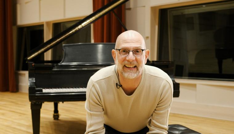Le professeur titulaire Robert Ingari a reçu le Prix de la recherche et création en mai 2018 pour la qualité, l'originalité et l'innovation de ses recherches en musique