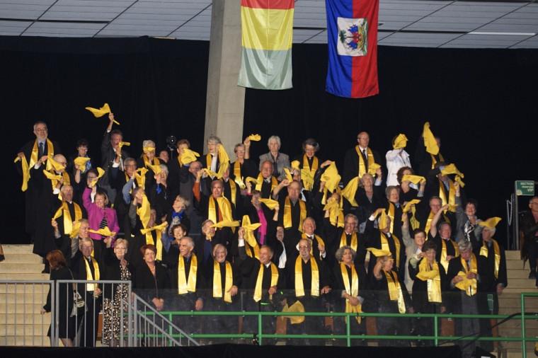 Quarante-huit diplômés de la cohorte1962, qui célébraient le cinquantenaire de l'obtention de leur diplôme.