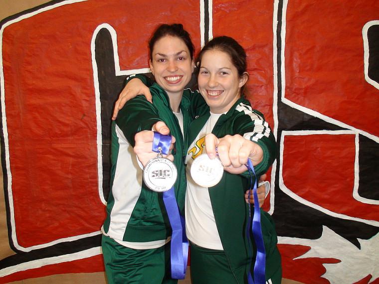Pascale Délisle et Annie Larose ont toutes deux remporté des médailles d'argent, l'une au pentathlon, l'autre au lancer du marteau.