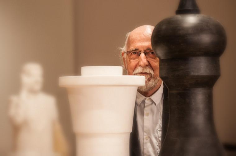 Gilles Mihalcean présente l'expositionSculptures récentes jusqu'au 10 avril 2016 à la Galerie d'art du Centre culturel.