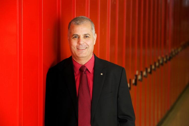 Le professeur Abdelkrim Hasni