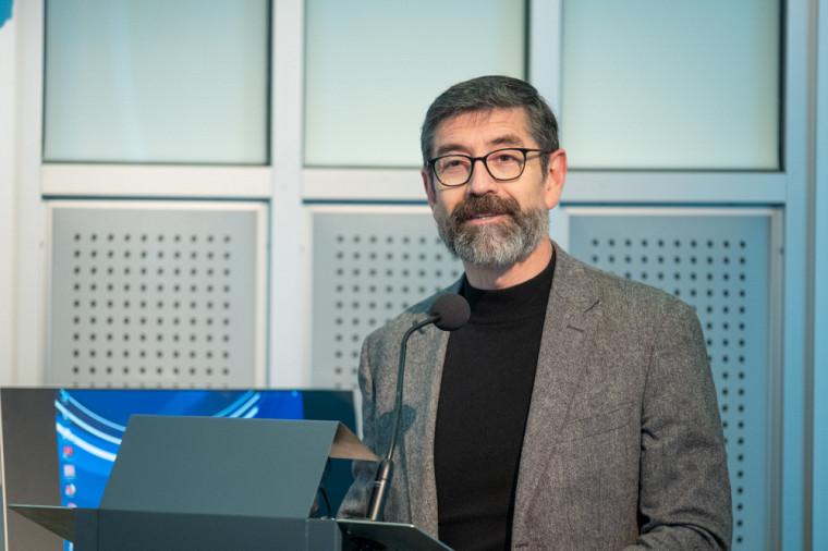 Le professeur Enrique Correa Molina, vice-doyen au développement international à la Faculté d'éducation