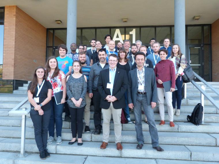 Les professeurs et étudiants participant au «Programme franco-québécois de formation en nanomatériaux et en caractérisation de matériaux fonctionnels».