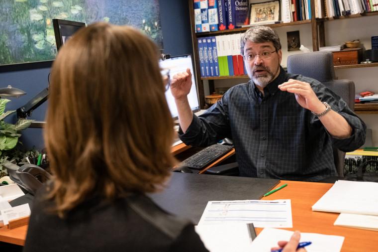 Philippe Labelle est l'un des coordonnateurs accompagnant les étudiantes et étudiants en situation de handicap à l'UdeS.