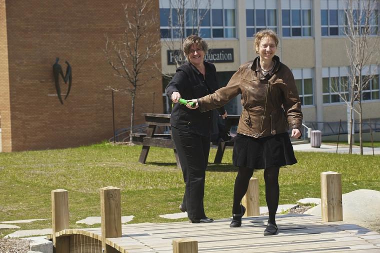 Rachel Bélisle, professeure au Département d'orientation professionnelle, et Colette Noël, finissante à la maîtrise en orientation