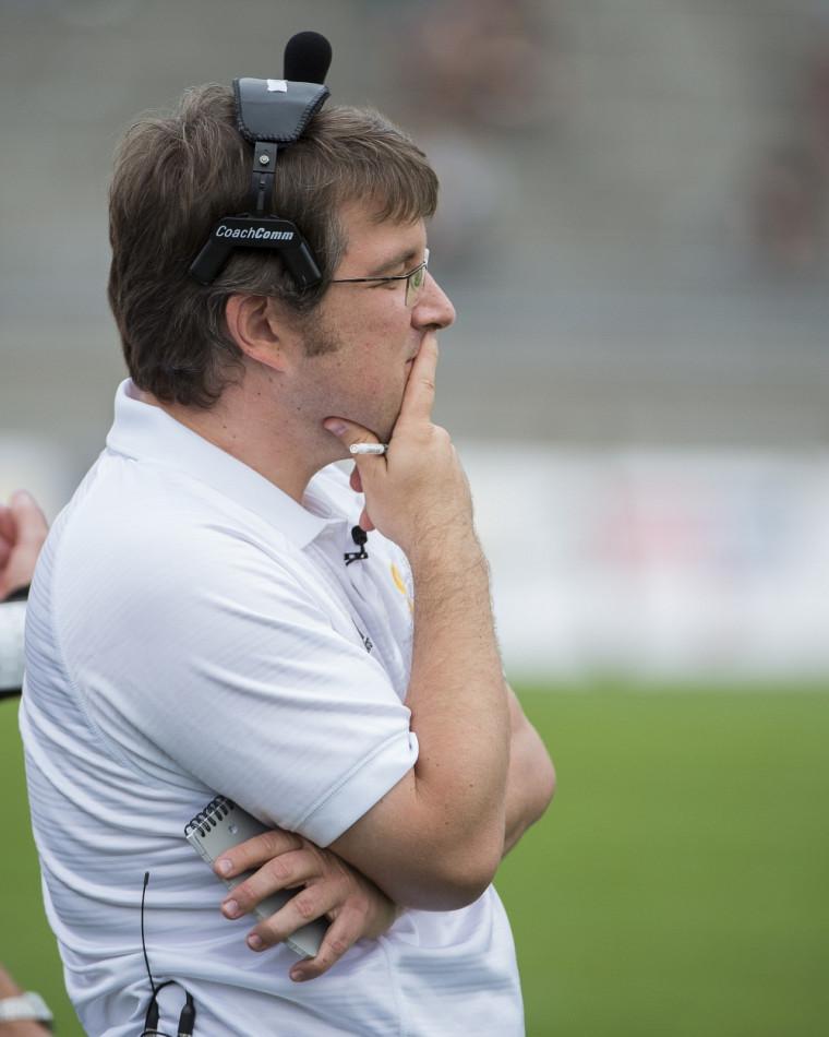 L'entraîneur-chef de l'équipe de football Vert & Or David Lessard.