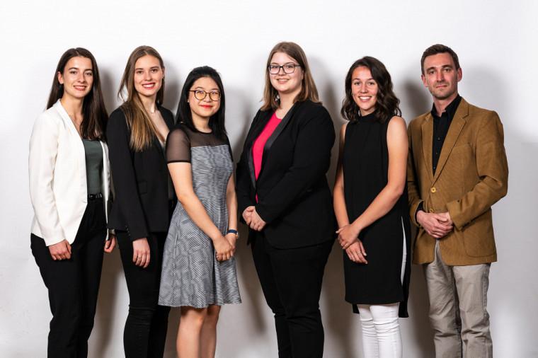 Les étudiantes de l'Université de Sherbrooke qui ont remporté un prixExcelle Science(deg.àd.):TamaraKrpic,GabrielleMallette,EmilyNguyen, VictoriaPitzClairoux, Audrey‑AnneAlly, et Oliver Robin qui a remporté le prix Mentorat.