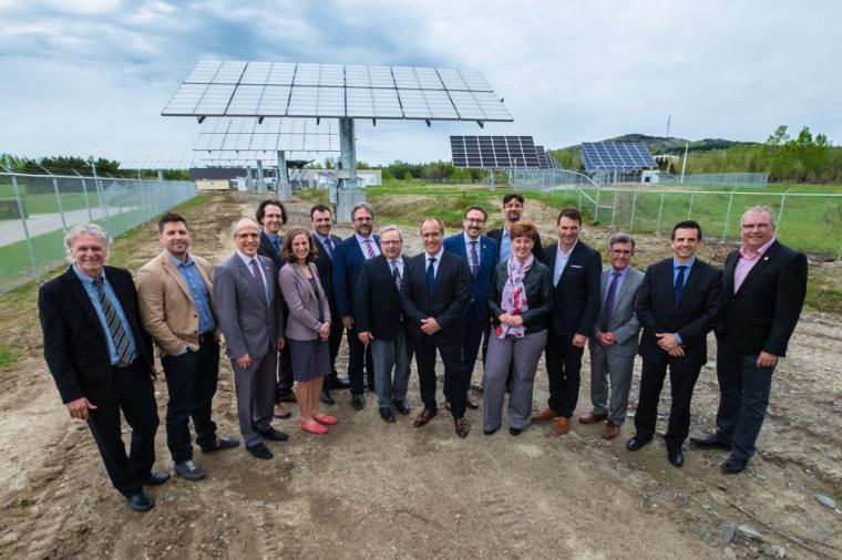 De nombreux collaborateurs gouvernementaux et partenaires industriels et membres de la communauté universitaire ont pris part à l'inauguration.