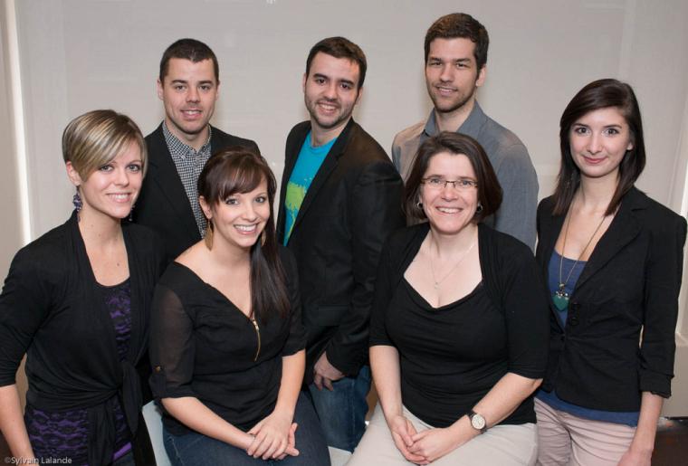 L'équipe gagante: Karine Lacasse, Julie Noël, Anne Guérinel, Émilie Carignan, Bruno Renaud, Marc-André Morin et Jeffrey Mc Nicoll.