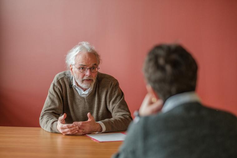 Paul Morin et Isabelle Lacroix discutent dans le premier épisode d'Expertises sur écoute.