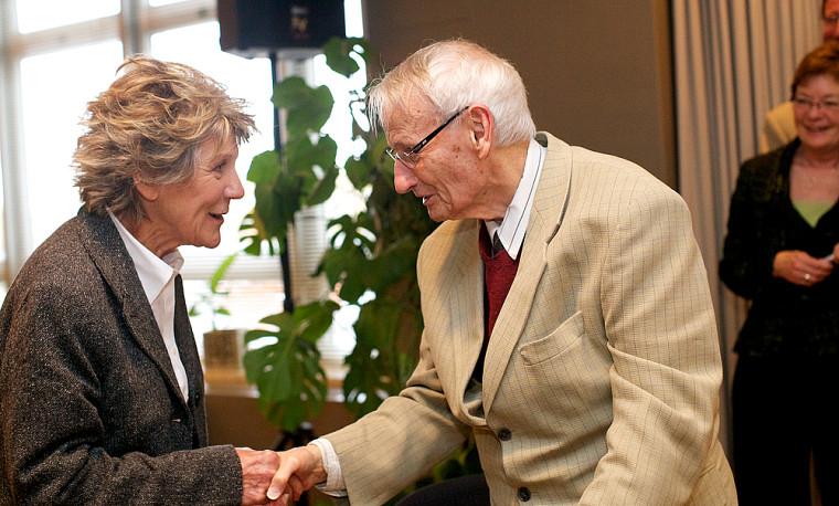 Mme Clémence DesRochers et Dr Gérard L. Larouche