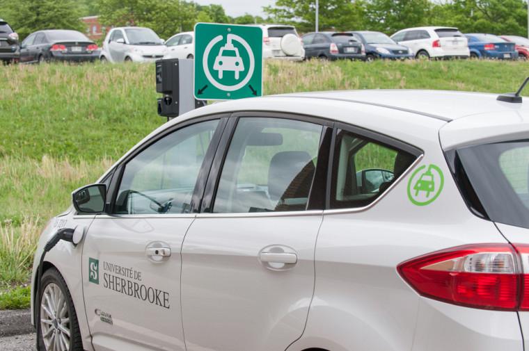 Nouvelles bornes de recharge accessibles en vertu du programme Branché au travail.