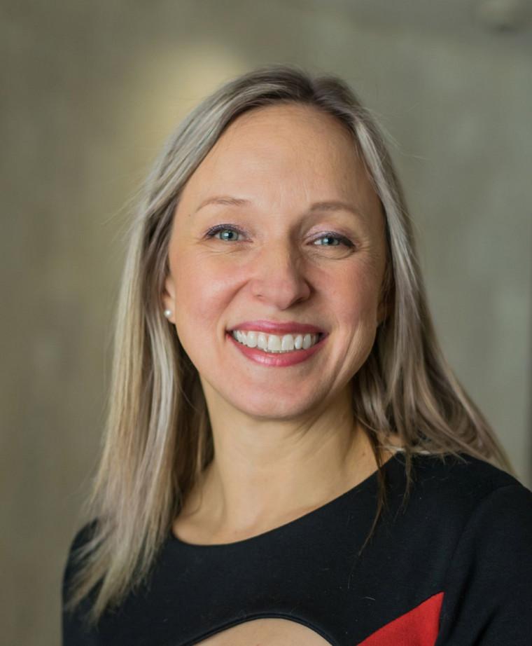 Geneviève Paquette, professeure en psychoéducation à la Faculté d'éducation de l'UdeS, estime que le MESSAGE s'inscrit dans les pratiques prometteuses pour prévenir la violence sexuelle.