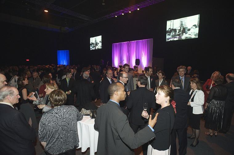 Quelque 475 personnes ont foulé le tapis rouge pour participer à cette soirée de prestige.