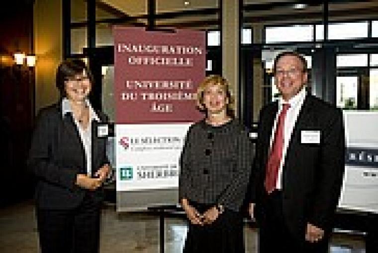 Diane Martin, chef des opérations de Réseau Sélection, Monique Harvey, directrice de UTA de l'Université de Sherbrooke et Luc Pomerleau, directeur général du Complexe résidentiel pour retraités Le Sélection Laval.