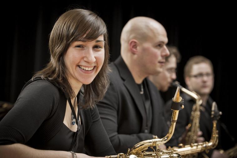 Plus de 60 musiciens constituant la relève musicale jazz en Estrie seront sur scène le 13 décembre prochain! Un rendez-vous à ne pas manquer!