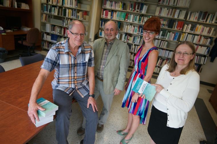 Le professeur Pierre Hébert, le professeur retraité Richard Giguère, la doctorante Stéphanie Bernier et la professeure Patricia Godbout sont membres du GRÉLQ.