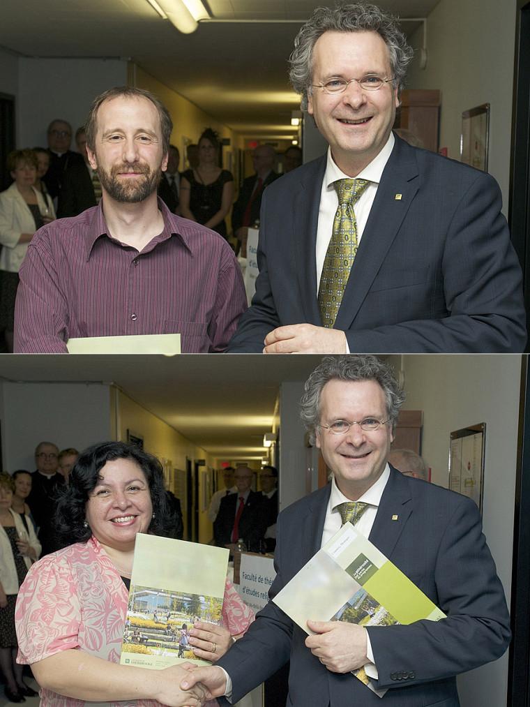 M. Éric Archambault et Mme Marisol Valdes Caro, tout deux récipiendaires d'une bourse du Fonds de la FaTER pour l'excellence de leur dossier académique. Le doyen Pierre C.Noël leur remettait leur bourse.