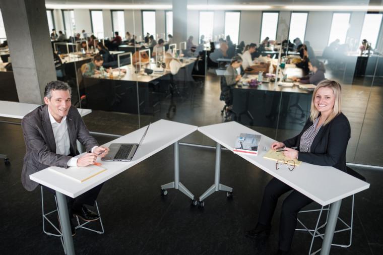 Patrick Mignault, professeur à la Faculté de droit, et Déborah Montambault-Trudelle, coordonnatrice des cliniques juridiques.