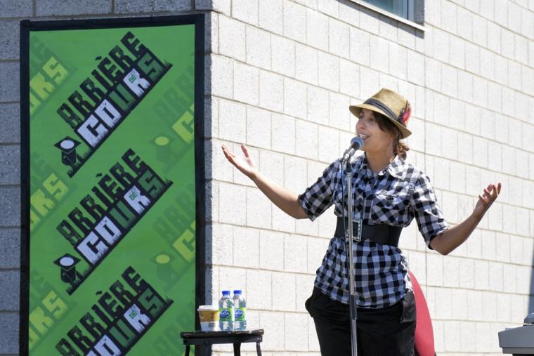 L'artiste Queen Ka a pris part au lancement de la programmation de la série Arrière cours.