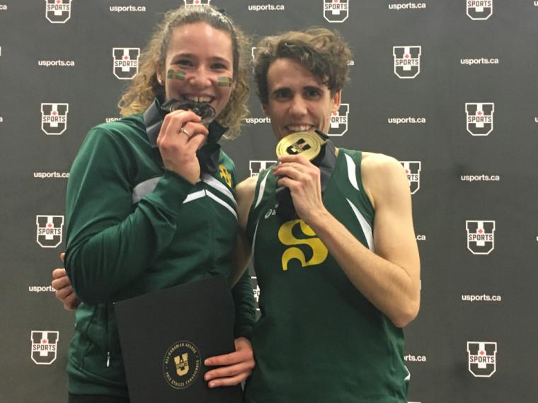 Maude Léveille (médaillée d'argent) et Amélie Augé (médaillée d'or).