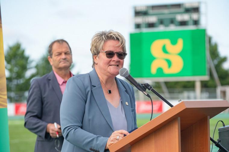 Danielle Berthold, mairesse suppléante de la Ville de Sherbrooke, s'est adressée aux invités au nom du maire Steve Lussier.