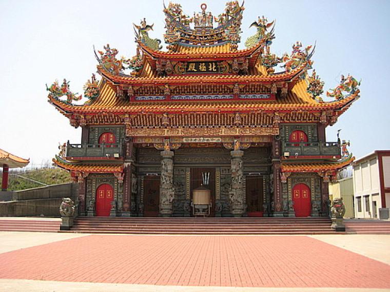 Un temple sur la côte est de l'île