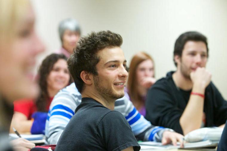 Cette année, le Mois de la pédagogie universitaire propose un véritable voyage au centre de la classe!