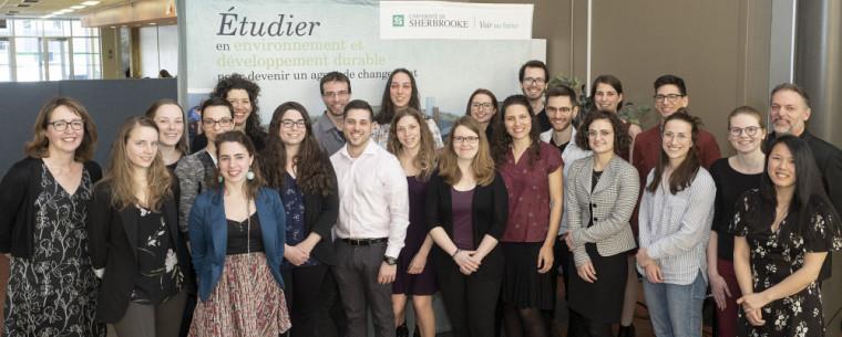 Les récipiendaires 2018-2019, accompagnés de Madeleine Audet, directrice du CUFE, et de Jean-François Comeau, directeur adjoint du CUFE.