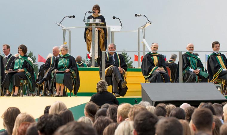 La rectrice Luce Samoisette remettra les titres de professeurs émérites durant la cérémonie principale.