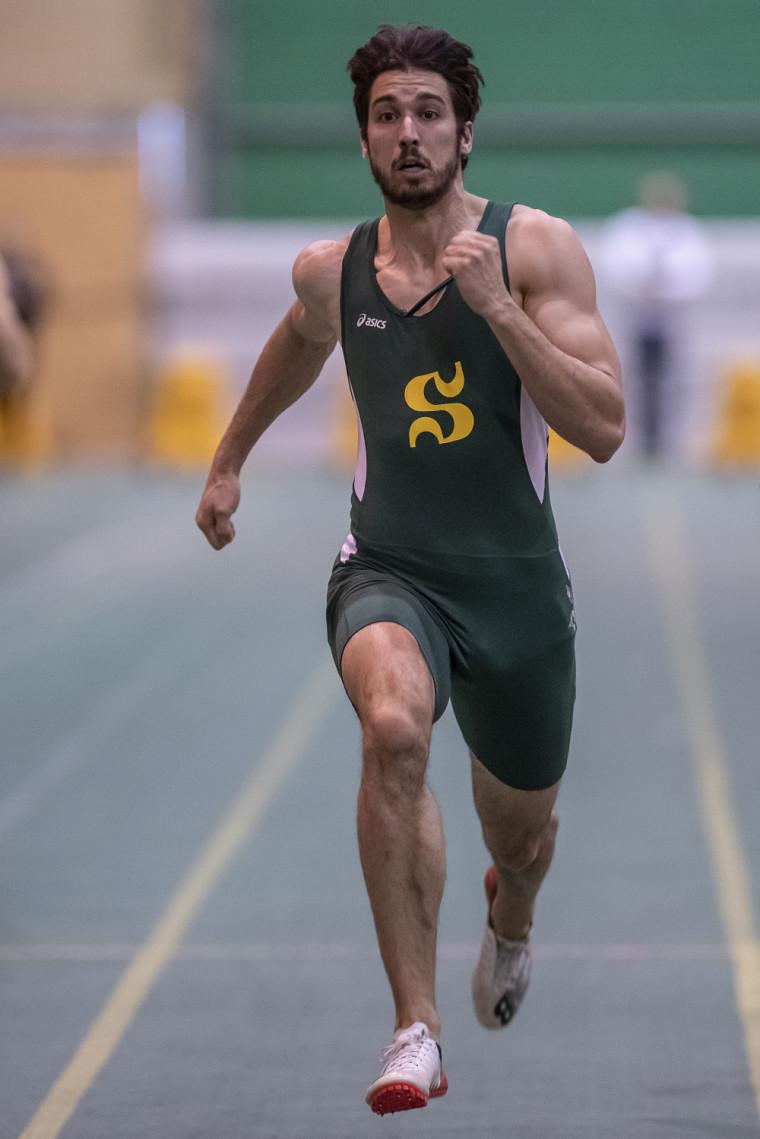 Jérémy Lafrenière, de l'équipe d'athlétisme Vert & Or.