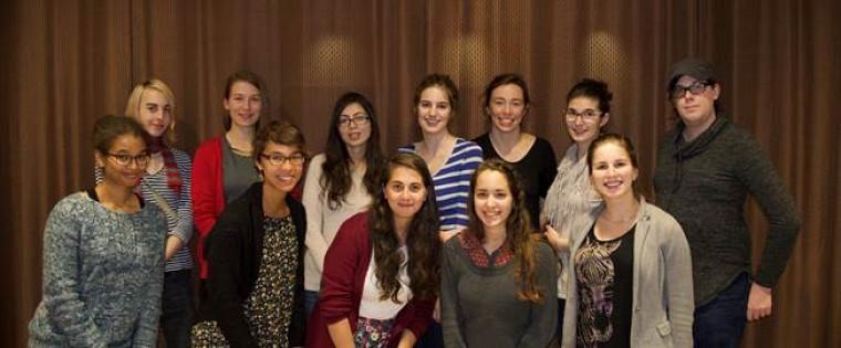 Les membres duRegroupement des femmes en physique de l'Université de Sherbrooke présentes lors du 5 à 7 du 3novembre 2016.