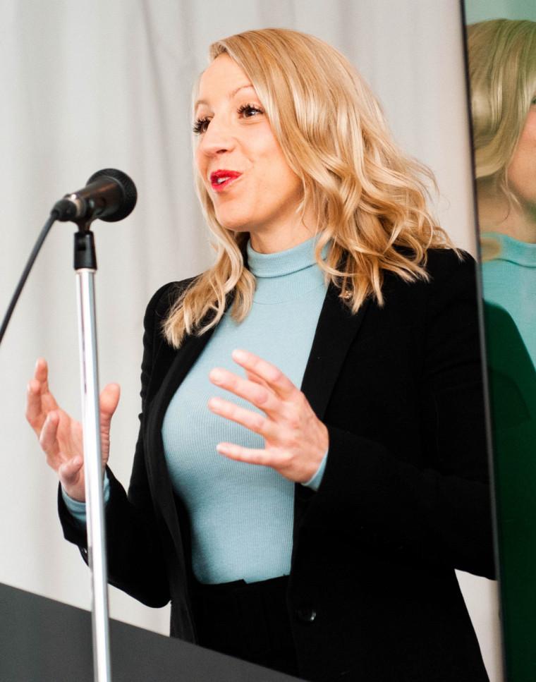 La docteure Mélissa Généreux, professeure-chercheuse à la FMSS de l'UdeS et médecin-conseil à la Direction de santé publique de l'Estrie.