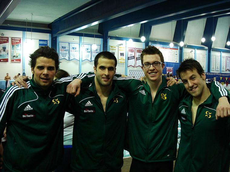 L'équipe masculine de natation Vert&Or composée de Pierre-Olivier Jean, Mark Maizonnasse, Louis Tétreault et Antoine Lamoureux-Auclair a pris le 14erang sur19 au classement cumulatif du championnat de natation de Sport interuniversitaire canadien.
