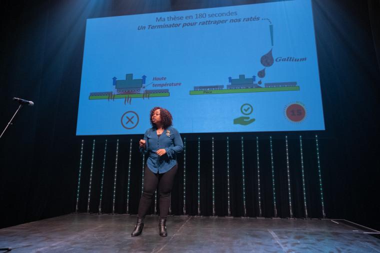 La gagnante de l'édition locale de « Ma thèse en 180 secondes », la doctorante Elodie Nguena.