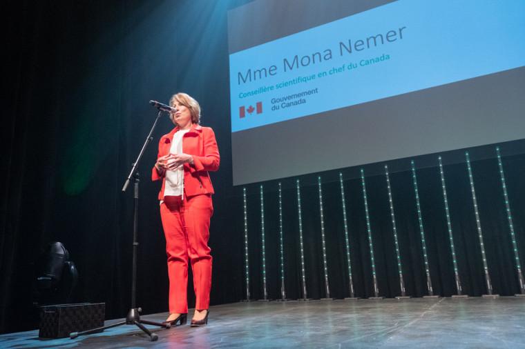 La présidente d'honneur de l'événement et conseillère scientifique en chef du Canada, madame Mona Nemer.
