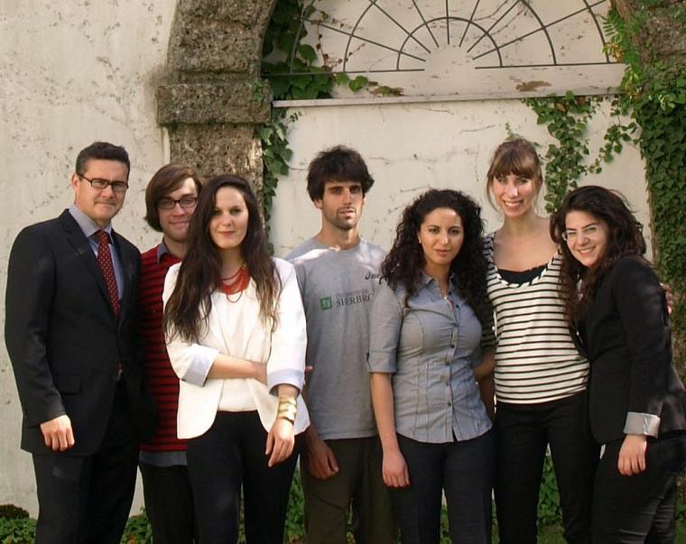 Le Pr Mathieu Devinat et les étudiants participants.