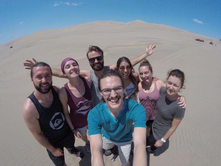 Visite inoubliable à Huacachina, une oasis dans le désert où l'on trouve de belles auberges de jeunesse. «On a visité le désert avec les